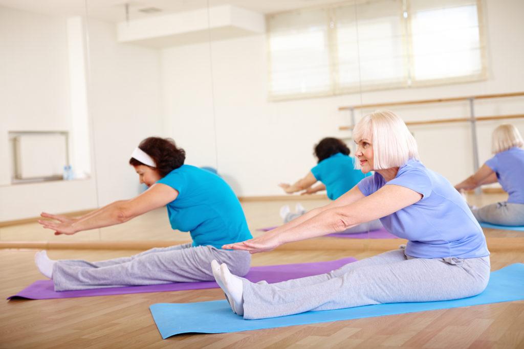pilates-senioren-groep-shutterstock_215678578